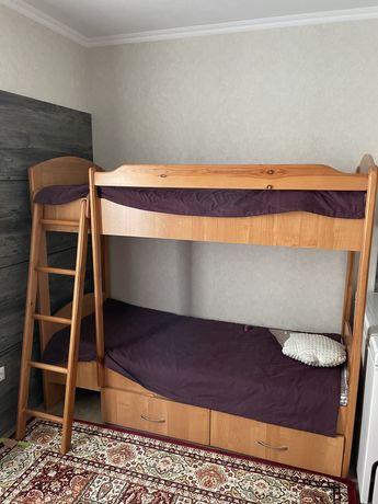 Продам двухьярусную кровать