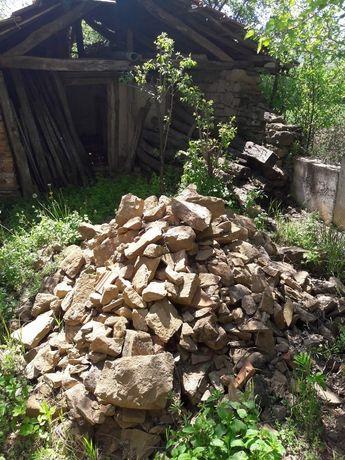 Подаряваме камъни за строителство