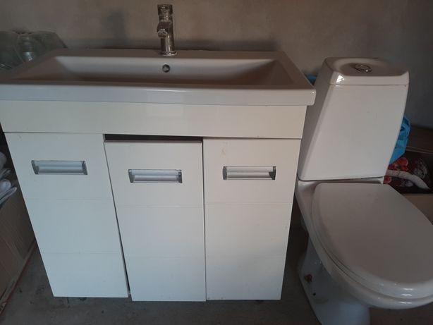 Ванная мебель и унитаз