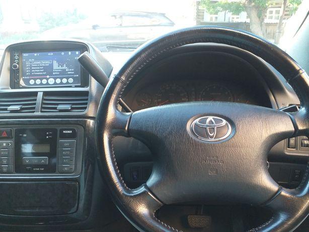 Продам Toyota Gaia. 2001 г.в. Автомат. Минивэн 6 мест.