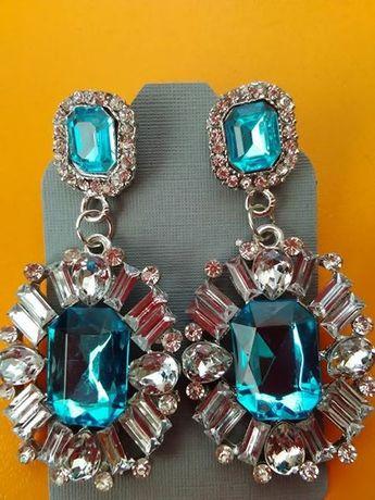 Обеци с бели и сини кристали