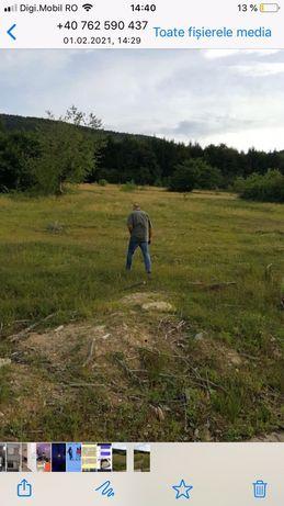 Vind teren in satul de vacanta Lisa la poalele muntilor Fagaras