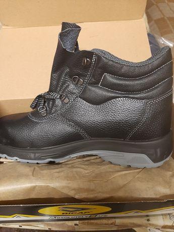 Работни обувки с метално бомбе