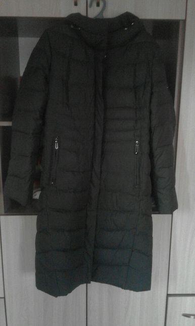 Продам зимнию куртку пальто.