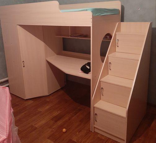 Детская кровать+шкаф