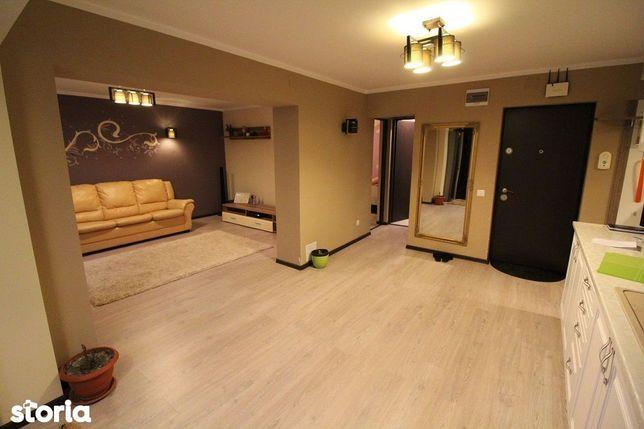 Vând apartament 3 camere în Călan, 62mp, etaj 2/4, decomandat