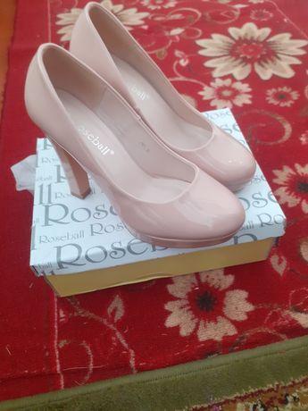 Туфли от Roseball