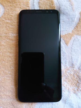 Самсунг S8 plus( оригинал). Состояние идеальное.