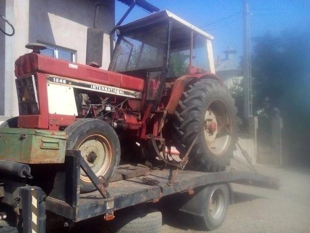 Dezmembrez Tractor International 1246