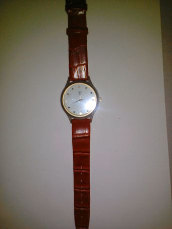 "Два часовника ""LV"""