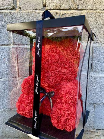 Мечета от вечни рози в луксозна кутия!