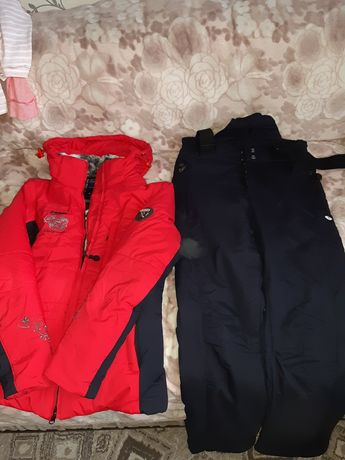 Продаётся лыжный костюм женский и обувь к нему