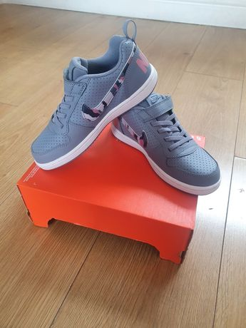 Nike Court Borough Low nr.33
