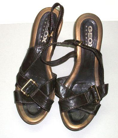 Vand sandale de dama Geox, in stare buna, marimea 36-37