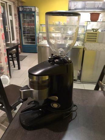 Râșnița de cafea profesională