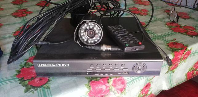 Продам видеокамеру со всеми шнурами и кабелем 15м.
