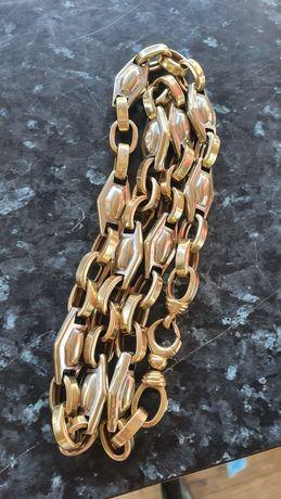 Златен ланец красива плетка