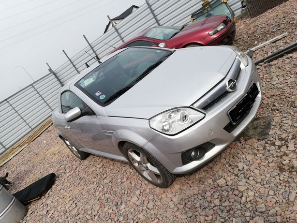 Dezmembrez Opel Tigra B ( Twintop) 1.3 cdti