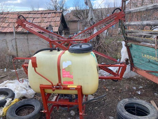 Stropitoare mașina de ierbicidat 400 litri și 10 metrii