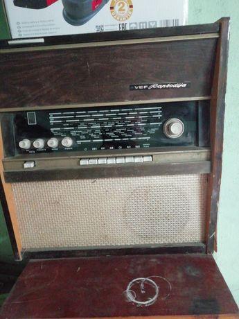 Продам радио проигрователь