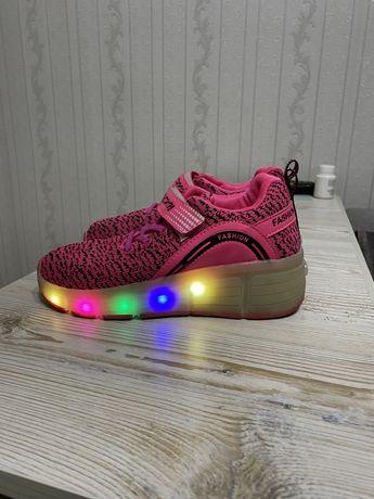 Роликовые кроссовки светящиеся