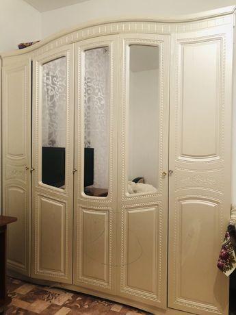 Продам шкаф и холодильник в хорошем состоянии