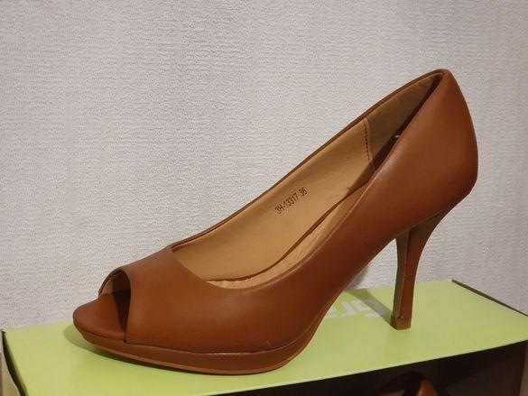 Елегантни обувки на токче