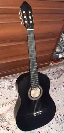 """Гитара """" Stagg C440 """". Цена: 40000тг."""