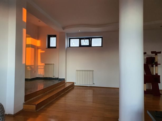 Vand apartament 3 camere cu loc parcare zona Traian, Ploiesti 120000 e