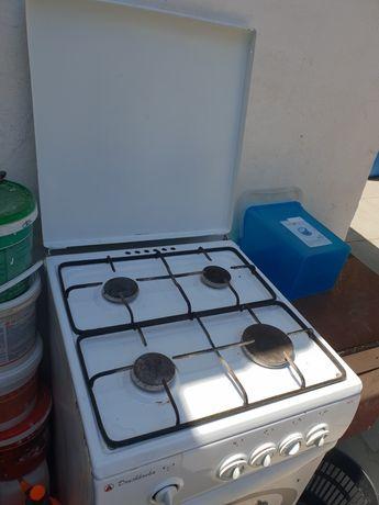 Газовая плита на кухню