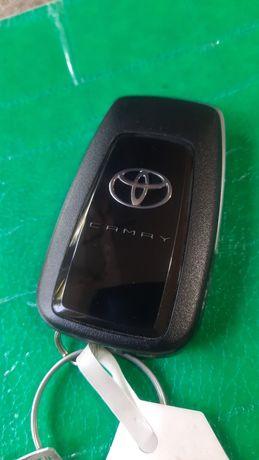 Ключ тойота камри