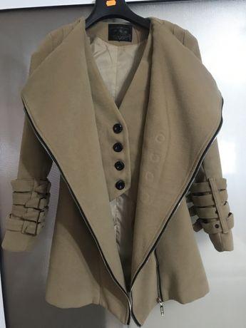Palton dama crem marimea XS/34 S/36