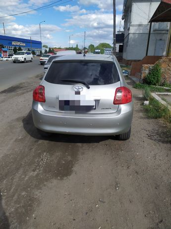 Toyota auris 2008год