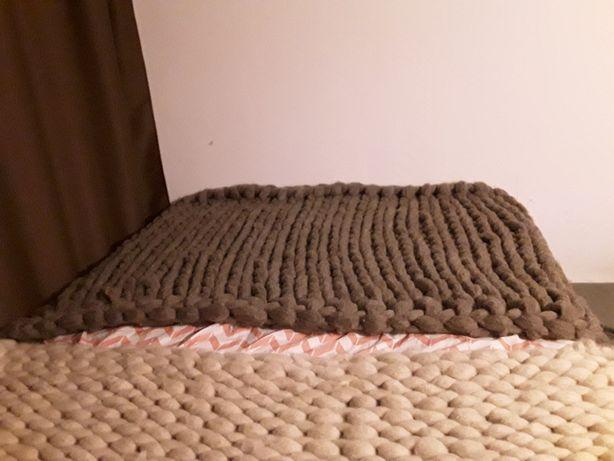 Pătură din lână, fir gigant