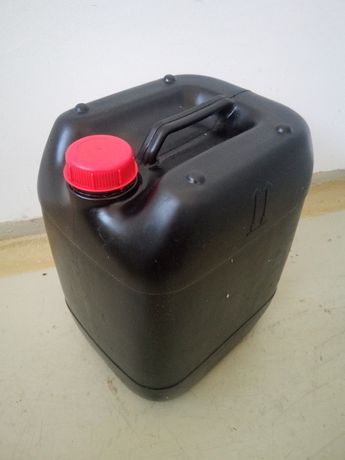 Пластмасови туби 20 литра