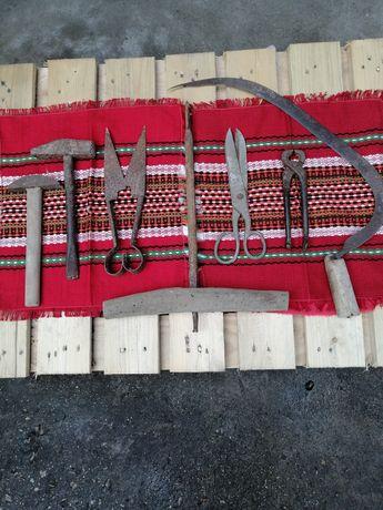 Инструменти старинни.