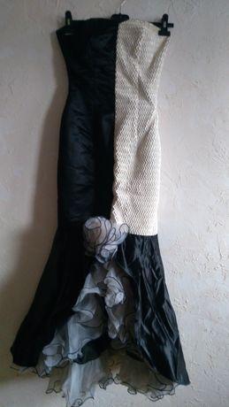 Официална рокля на Одета , бална