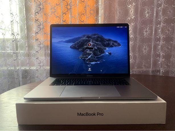 Macbook Pro 15 2019, 256GB, 555X