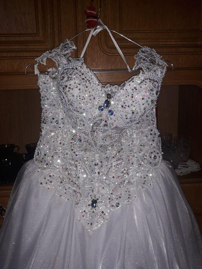 Rochie de mireasă Budesti - imagine 1