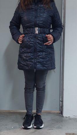 Дамско яке с естествен косъм на качулката