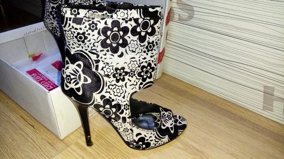Дамски обувки с ток