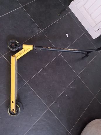 BYOX+ тротинетка скутер