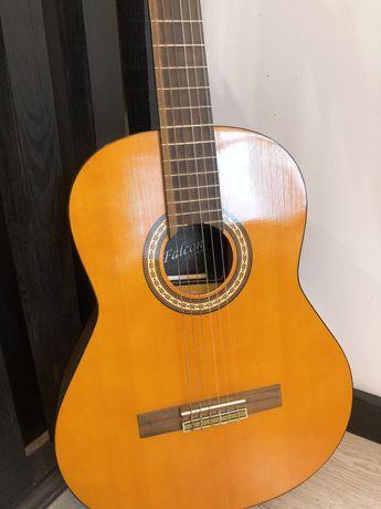 Продам классическую гитару мастера