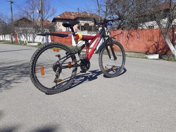 Vând sau schimb bicicleta