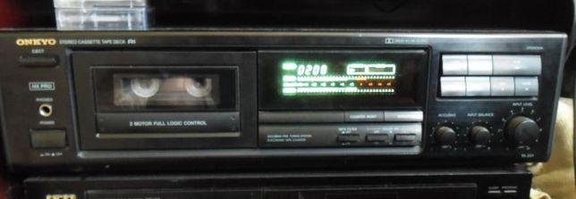 Vând/schimb Casetofon deck ONKYO TA 201 si CD Player Akai