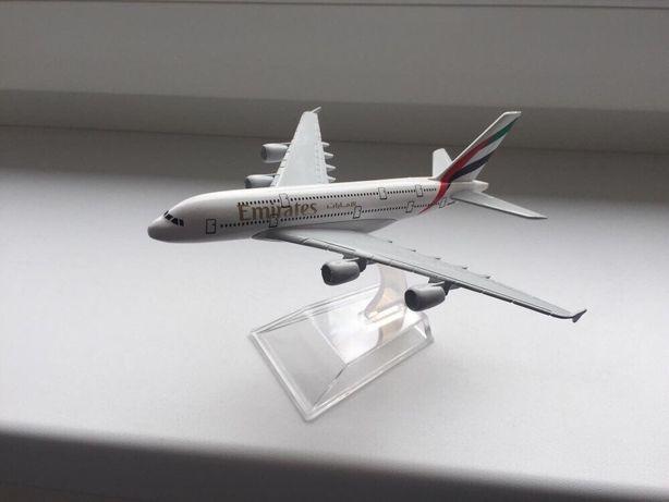 Macheta Avion metal Airbus A380 Fly Emirates/Ideal Cadou