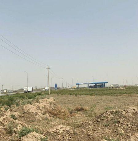 Земельный участок вдоль трассы ,10мин от города ,под бизнес