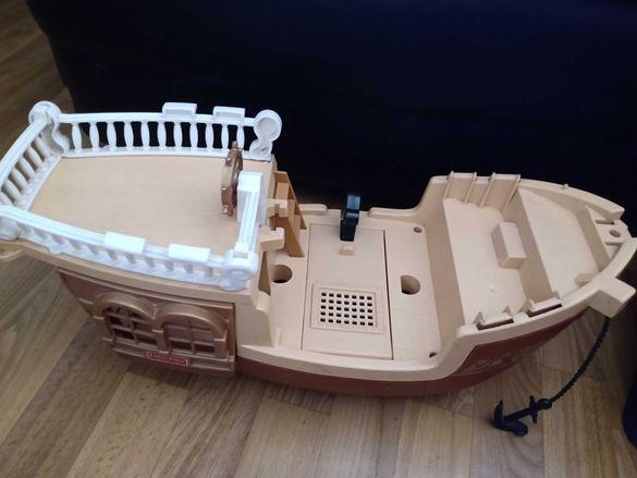 Детски кораб за игра