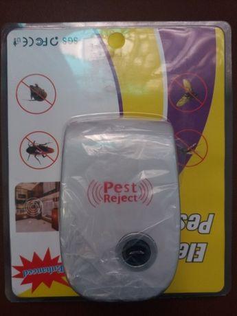 Отпугиватель насекомых, крыс и мышей.