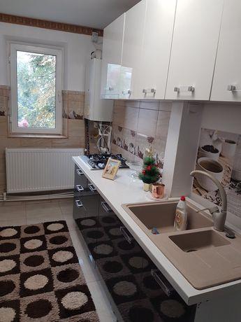 Vand Apartament   camere 3  pe strada vasile alecsandri bloc s 2